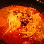 炎麻ばあちゃんの麻婆豆腐 - 辛口坦々麺。通常版との色の違いほど辛さが強烈ではない。