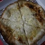 ピッツェリア バール ナポリ - テイクアウトで・・・。