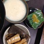 つづみの里 きしろ食堂 - 筍煮物 山芋とろろ 刺身蒟蒻