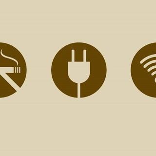 禁煙・電源・WIFI