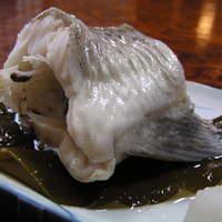 鰍 - 助宗鱈の湯煮です。とっても大きくて、食べ応え抜群です。お酒のお共にもなります。