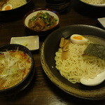 28870238 - 花琵 赤 つけ麺