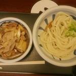 28871436 - 肉汁うどん(並)+肉増し…税込650円+0円(29日のため肉増し無料)