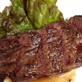 お肉を使ったお料理にも力を入れています。