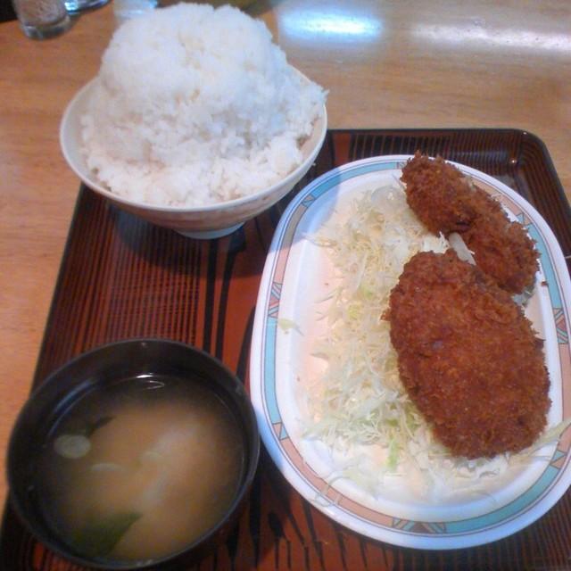 キッチンオトボケ - メンチカツ定食大盛り