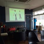 幡ヶ谷CAFE - この大型プロジェクター、映画ばかりと思いきや民放も‼︎とても良いデス‼︎