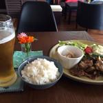 幡ヶ谷CAFE - ランチはどれをチョイスしても美味しいです‼︎ 本日は豚肉と茄子炒め。肉の柔らかさ、味加減がGOOD‼︎思わずご飯が進みました(笑)