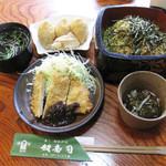 奴寿司 - 奴寿司の日替わりランチ『中華めん トンカツ いなり3ヶ』700円です。