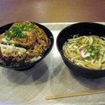 華さん食堂 - 料理写真:ロースカツ丼+かけうどん(350+140円)、これでワンコイン