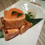 KICHIRI - とろ鮭の炙り♪中はレアです。