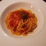 28891755 - 有機スパゲッティ 唐辛子のトマトソース