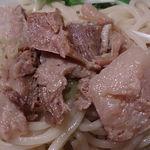 彩華 - 中華麺酒家 彩華 @茅場町 つけめんのつけ汁に入れられる角煮のようなチャーシュー