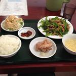 台湾料理 嘉宴楼 - 青椒肉絲ランチ600円