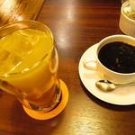 カフェ ノボール - みかんジュース、コーヒー