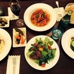 ワイン酒場モンカフェ - 料理写真:ディナーはアラカルト