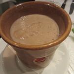 トルッキオ - 胡桃と牛乳を加えてまろやかにしたソース
