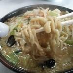 福来亭 - 味噌ラーメンの麺