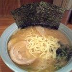 萬家 - 料理写真:ラーメン中700円