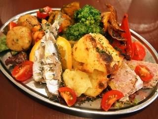 ピッツェリア エ トラットリア フォルティッシモ - ペアーセット(ナポリの前菜盛り合わせ)