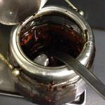 三幸苑 - 自家製辣油は香ばしいです。