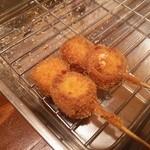 串カツのぼんちゃん - 串揚げ チーズベーコン