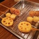 串カツのぼんちゃん - 串揚げ トマトベーコン、うずら、れんこん