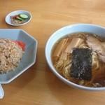 天明 - 料理写真:ラーメン、炒飯セット♪