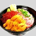 魚人食堂 - 三色丼 (うに・いくら・ねぎとろ) 1790円