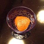 たつむら - 杏の下には小豆餡。