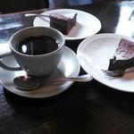 かふぇ かじ川 - ケーキセット 好きなドリンク ケーキ 写真はガトーショコラ