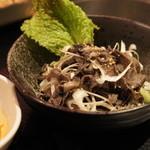 牛仙 by ドラゴン カルビ - センマイ刺し880円