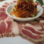 焼肉・韓国料理 KollaBo - 燻製サムギョプサル・セット