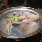焼肉・韓国料理 KollaBo - ヨンボタン (活けダコの踊り鍋)