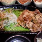 桜座蔵 - この日のメイン、黒豚の生姜焼き