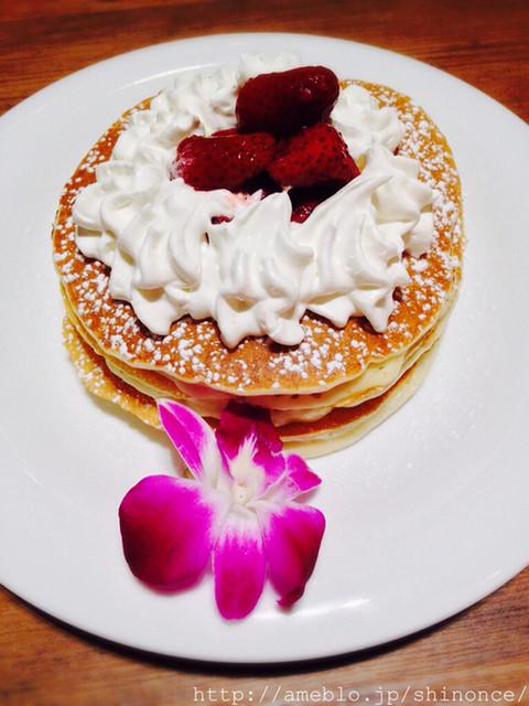 コアパンケーキハウス 渋谷店 - ストロベリーホイップクリームパンケーキ