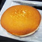 八ヶ岳チーズケーキ工房 - カマンベールチーズどらやき