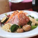 イル レガーロ - サラダ。おしゃれな高原野菜がたっぷり。