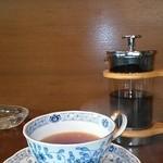 純喫茶 ロシナンテ - 食後の紅茶は純喫茶で(-^〇^-)