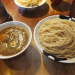 28932865 - 濃豚つけ麺 味噌伽哩 特盛 980円 【 2014年7月 】