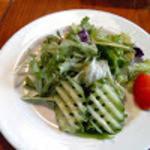 BEAR - サラダのドレッシングもお手製なのかな?キュウリの切り方が面白かったです。