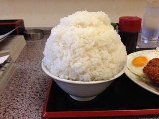 旭川ラーメン天山 北40条店 - 大盛りご飯