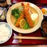 えび三郎 - 大海老フライ定食は、1,296円ですw
