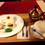喫茶洋菓子 山葡萄 - ケーキセット 700円