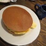 28947219 - バターホットケーキ。シンプルな焼き色。単品で410円。