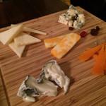 ワインカフェ 大森 - チーズ