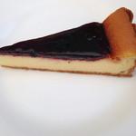 チーズケーキ CAFE MAGY - ブルーベリーチーズケーキ