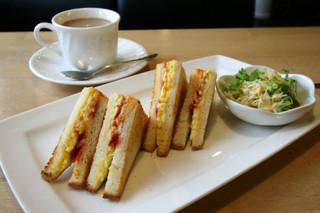 喫茶 シュシュ - モーニングサービス エッグトーストセット 380円