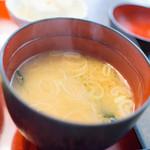 くま乃 - 定食のみそ汁