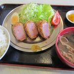 食堂きんざ - 料理写真:ハムカツ定食 640円