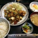 28958944 - 白身魚唐揚げ北京風                       少し脂っこい                       少し味が濃い                       でもゴハンがすすむ!